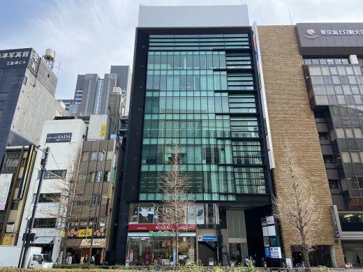 外観 ラウンドクロス新宿6階にございます